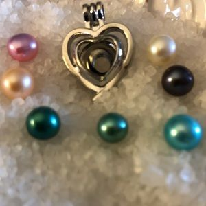 Jewelry - Heart cage with Freshwater Culture Pearl